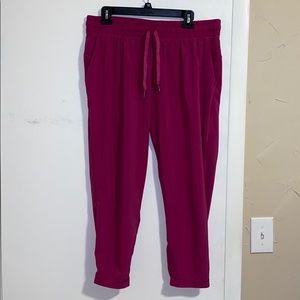 Lululemon pink joggers.  Worn but great shape ❤️🕺